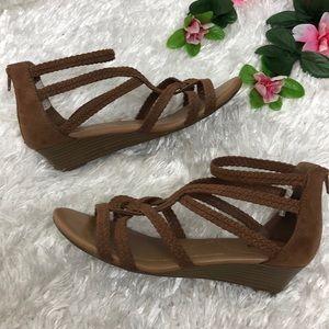 Dexflex Comfort - Taylor Low Wedge Sandal EUC